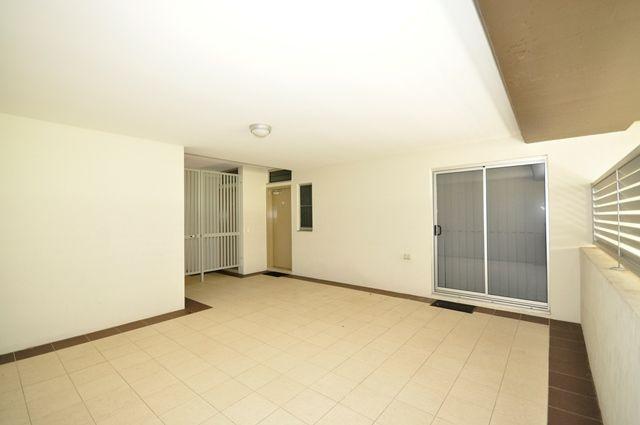 8/27 School Street, QLD 4059