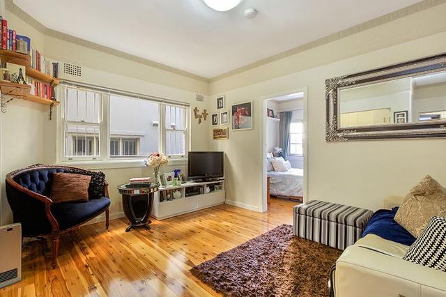 2/4 Waruda Street, NSW 2061