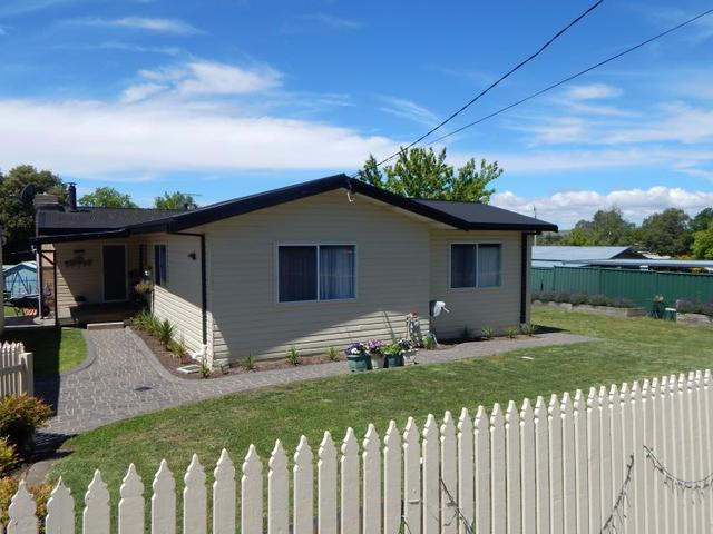 16 Nawai Place, NSW 2630