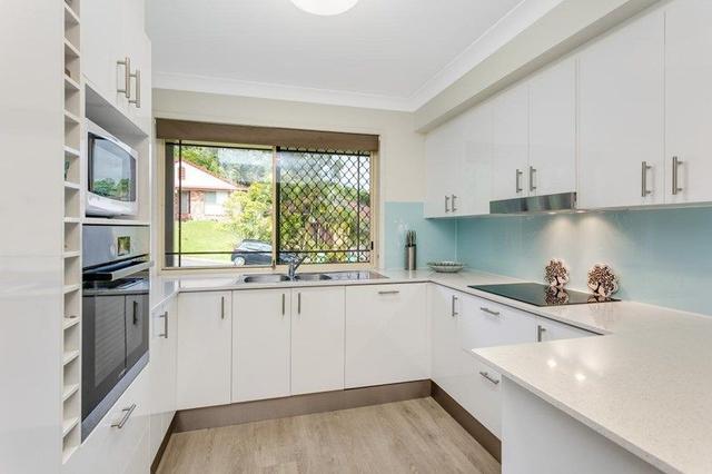 8 Carilla Place, QLD 4221