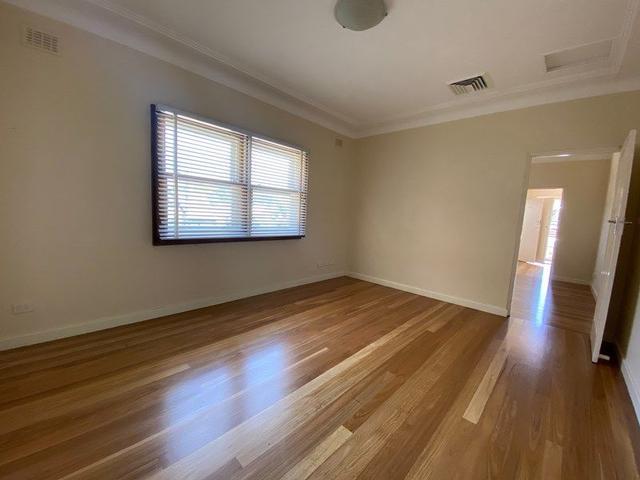 8/113 Addison  Road, NSW 2204