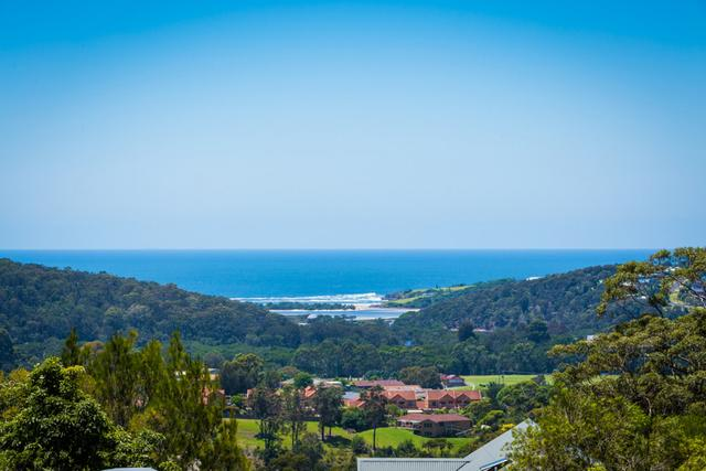 135 Merimbula Drive, NSW 2548