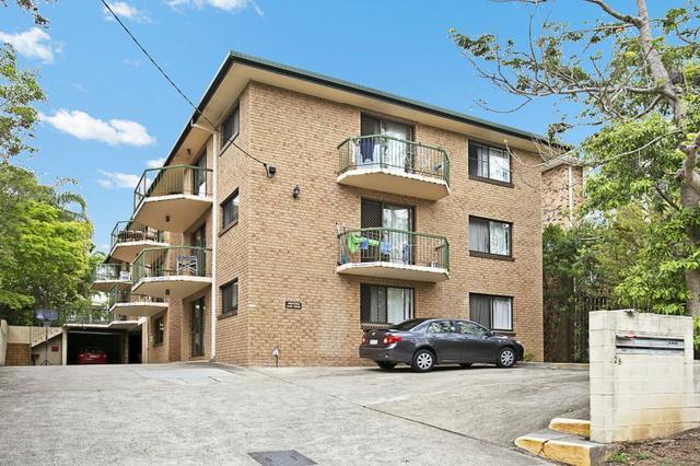 2/28 Alpha Street, QLD 4068