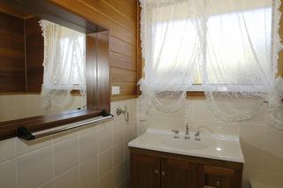 bathroom 2nd angle