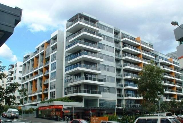 2-4 Lachlan Street, NSW 2017