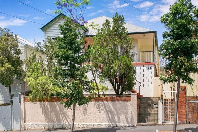 162 Given Terrace, QLD 4064