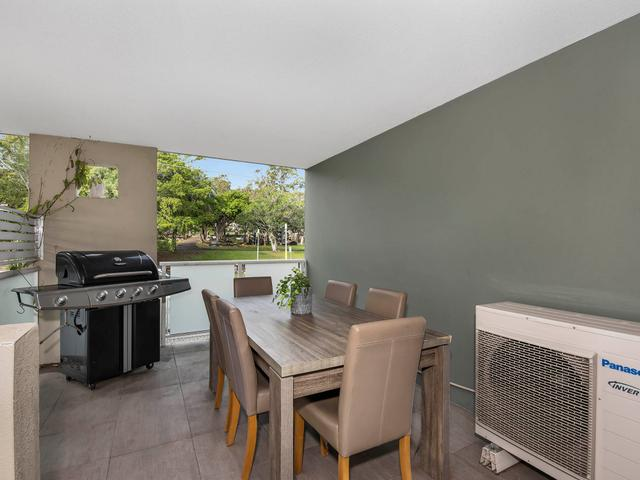 2/372 Wynnum Road, QLD 4170