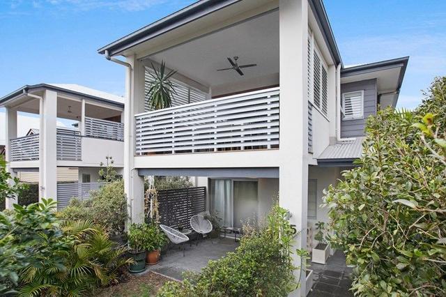 35 Douglas Street, QLD 4120