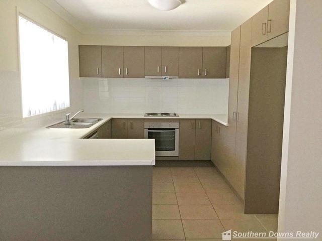96 Maynes St, QLD 4370