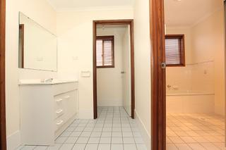 Toilet & Powder Room