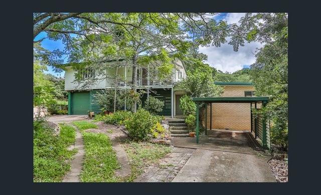 70 Oak Street,, QLD 4300