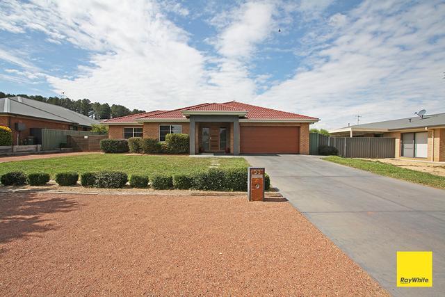 53 McCusker Drive, NSW 2621