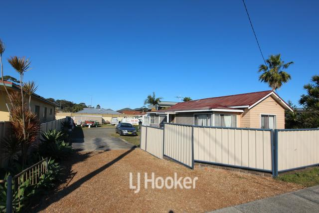 22 The Lakes Way, NSW 2428