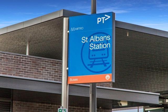 2 Adelaide Street, VIC 3021