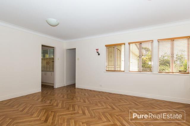 82 Fingal Street, QLD 4121