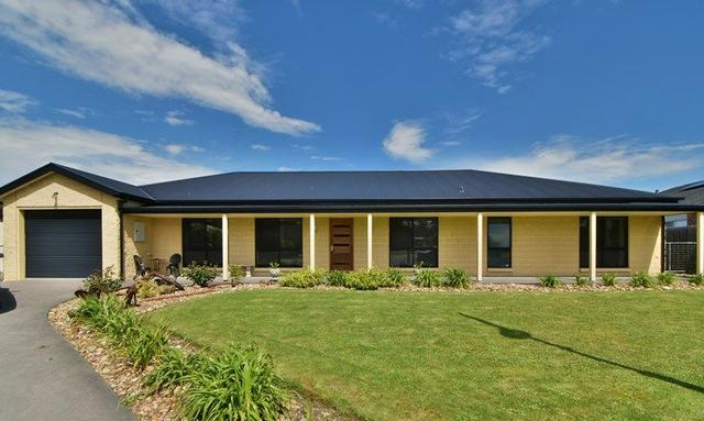 15 McMaster Court, VIC 3960
