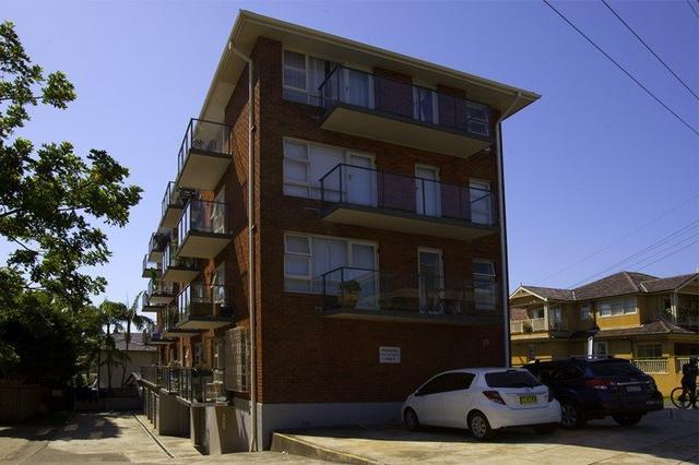 15/33 Addison  Road, NSW 2095