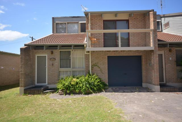 Unit 1 Trevally Court, NSW 2537