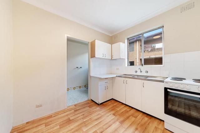 2/25 Bexley Road, NSW 2194
