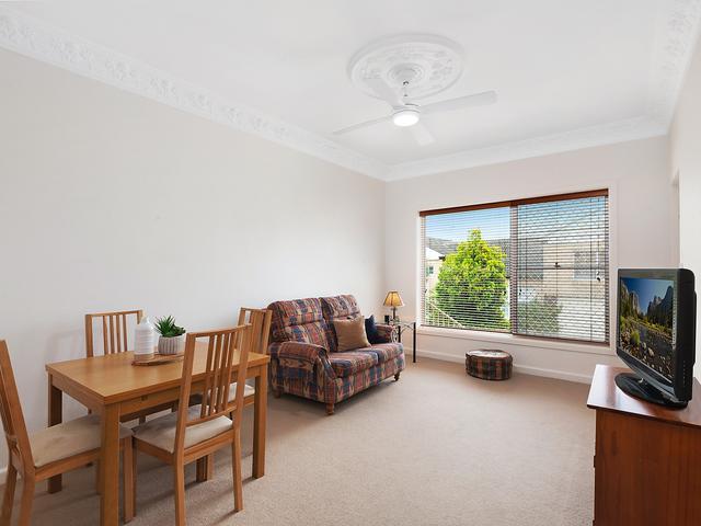 4/15 Caledonian Street, NSW 2207