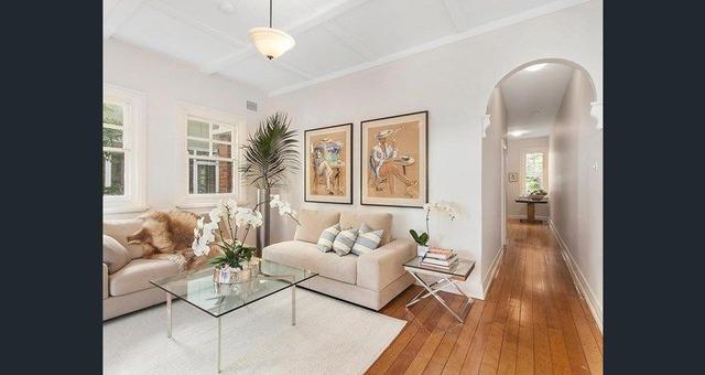 10 Holbrook Avenue, NSW 2061