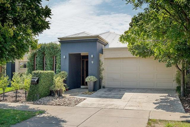 9 Coniston Place, VIC 3064