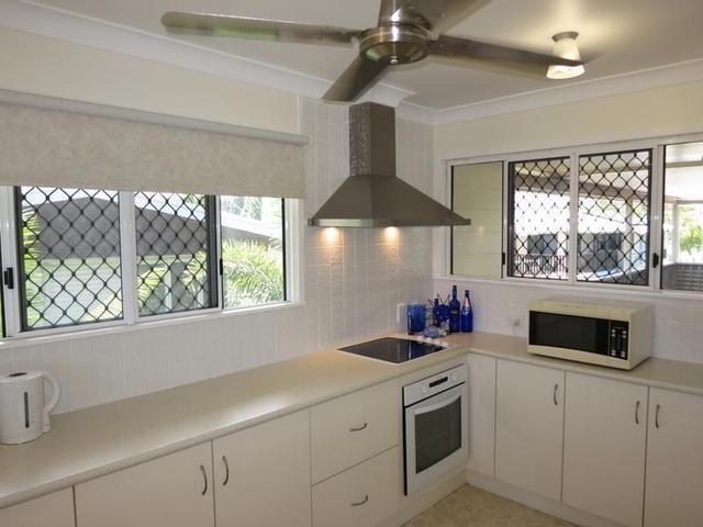 24 Hutchins Street, QLD 4814