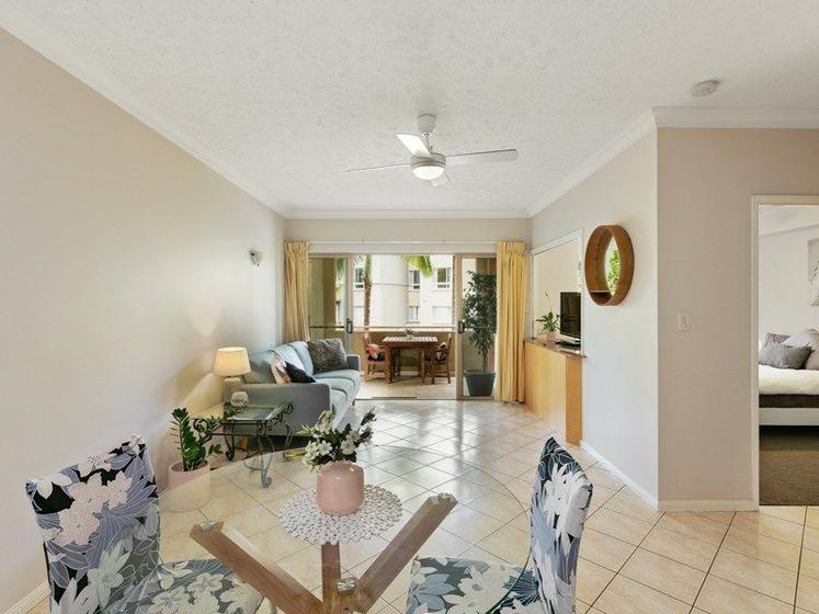 1111 2 Greenslopes Street Cairns North Qld 4870 Apartment For Sale Allhomes