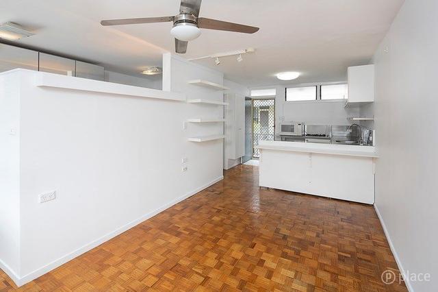 2/88 Isaac Street, QLD 4000