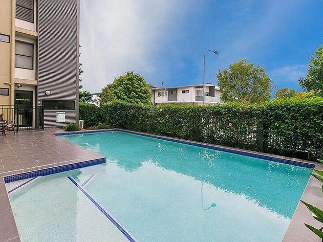 2180 Logan Road, QLD 4122