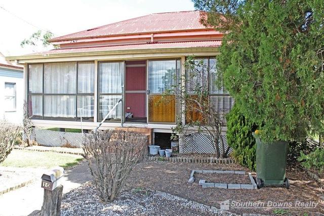 10 Pine St, QLD 4370