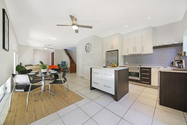 1/28 Riviera Road, QLD 4220