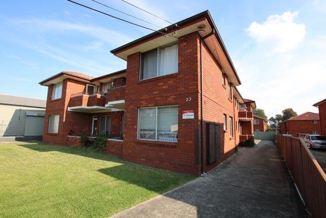 4/33 Willeroo Street, NSW 2195