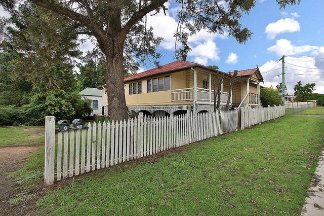 27 Pine Street, QLD 4305