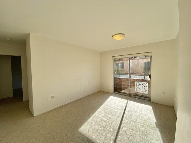 3/4 Macintosh Street, NSW 2020