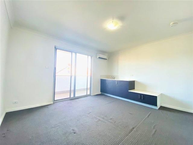 8/6 Bridge Street, NSW 2044