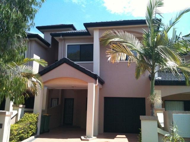 2/3 Glasshouse Drive, QLD 4227