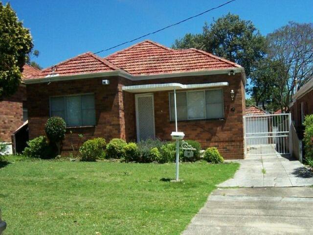 14 Coolongatta Road, NSW 2209