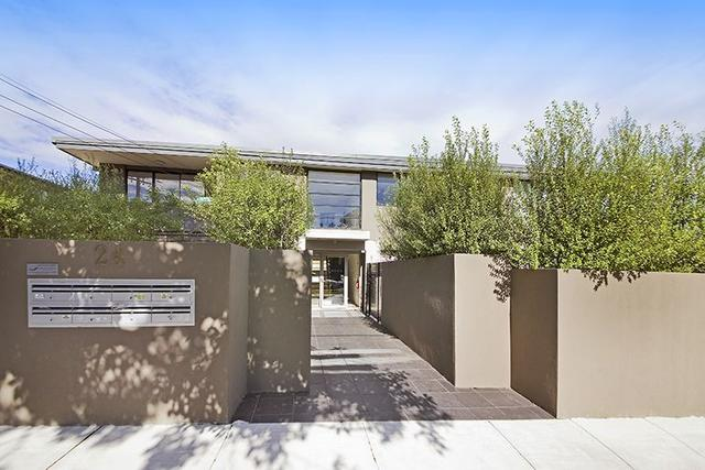 4/24 Holloway Street, VIC 3204