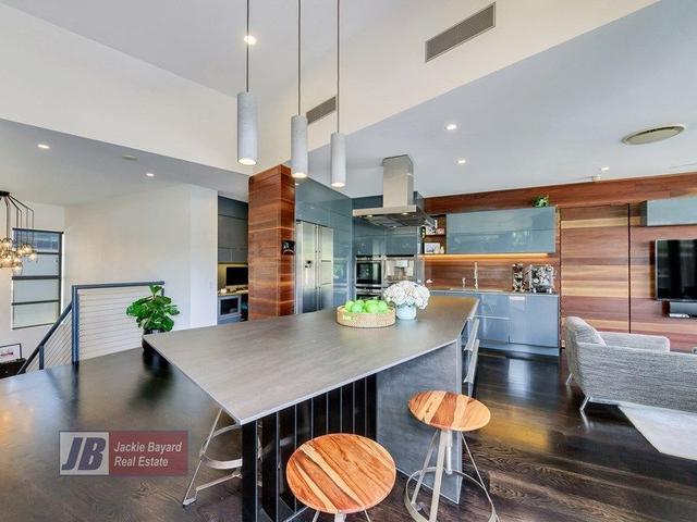 7 Helen St, QLD 4005