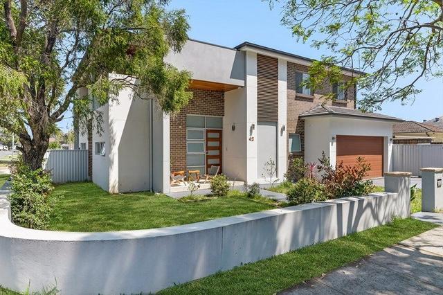 42 Robertson Road, NSW 2162