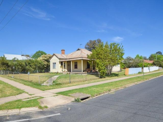 19 Wombat Street, NSW 2594