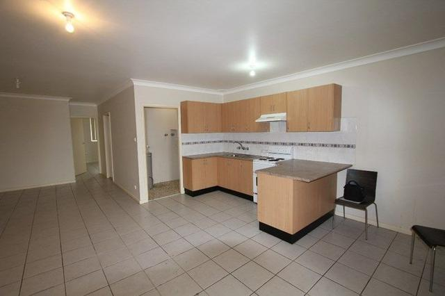 4/163 Meadows Road, NSW 2170