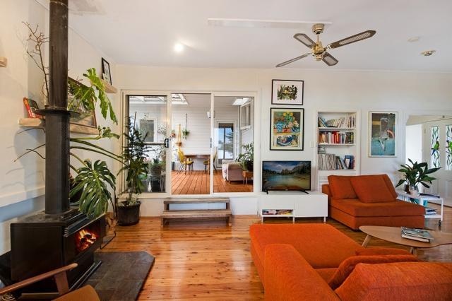 11 Myrtle Street, NSW 2576