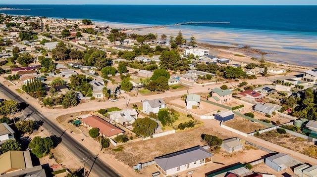 139 Coast Road, SA 5558