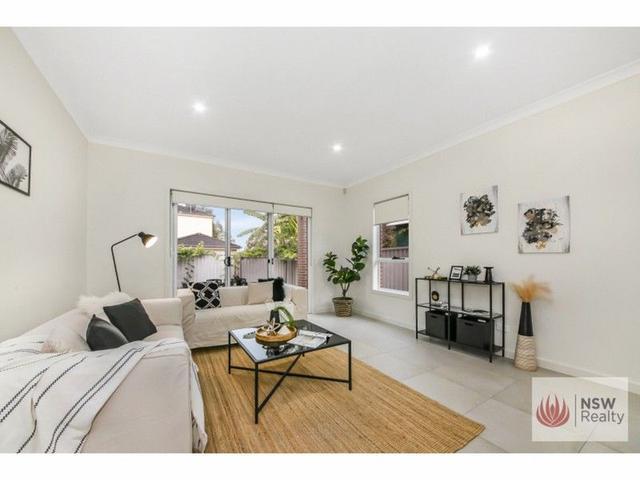 17 Warialda Street, NSW 2160