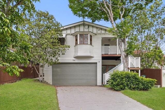 7 Pavonia Street, QLD 4060