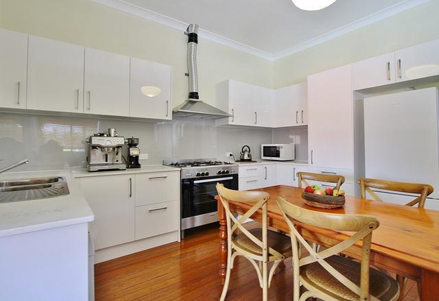 12 Albert Street, QLD 4121