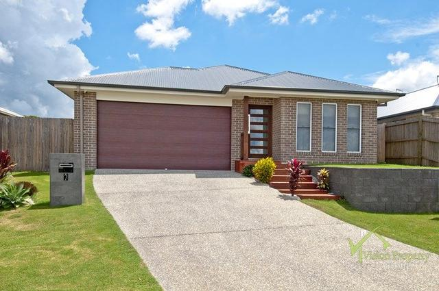 7 Hobson Place, QLD 4124