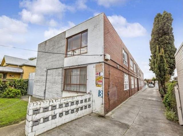11/204 Ballarat Road, VIC 3011